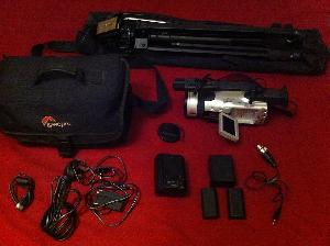 Canon XM-2 DV camera and extras