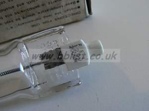 FEY 120v 2000w bulbs Close up ident