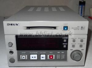 Sony mds-b5 minidisc recorder with aes and analog audio (ref