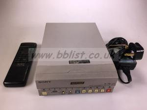 Sony DSR11 with power supply and remote