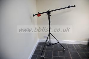 Telescopic lighting boom with stand