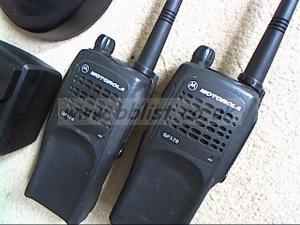 Motorola GP320 UHF walkie talkie   kit.