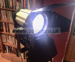 Sola 6 LED Fresnel in Pelicase