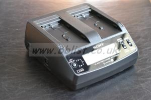 Sony AC-VQ1051D Battery Charger