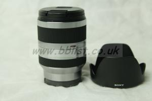 Sony E 3.5-6.3/18-200 OSS SEL18200 zoom lens for E-mount