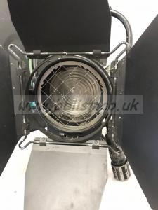 Strand 575w fresnel msr lamp