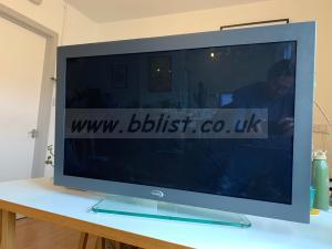 37 inch Vutrix HD grade monitor