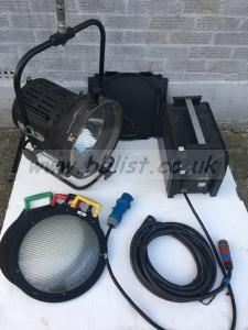 Strand 2.5/4k Par HMI Head + 40/25EB electronic ballast