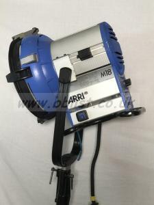 Arri M18 msr lamp with header and barn doors