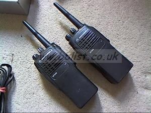 Motorola walkie talkie kit plus extras...