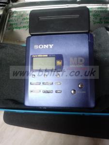 Sony MZ-r55 minidisc walkman