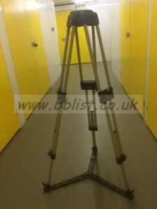 Vinten heavy duty twin lift tall tripod legs & spreader