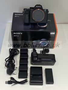 Sony A7Sii Kit BOXED and in excellent condition
