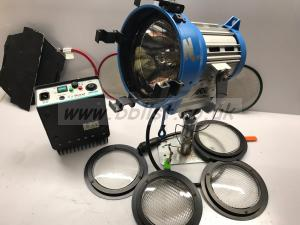 Arri 200w msr par lamp complete with Arri flight case