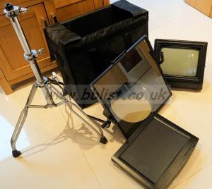 On-camera teleprompting unit