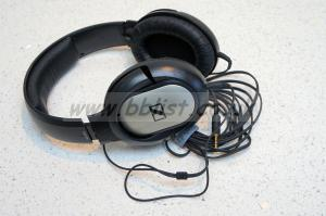 Sennheiser HD201 closed headphones