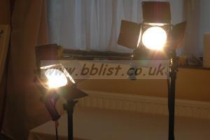 2 x LOWEL OMNI 500w + 1 x LOWEL DP 1000w LAMPS + 3 stands