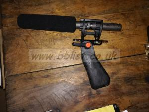 AUDIO TECHNICA AT877 MICROPHONE with rycote pistol grip