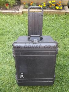 Peli 1620 Case With Wheels, Retractable Handle & Foam