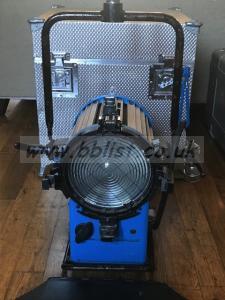 Arri 1.2kW Compact MSR/HMI Fresnal & Flicker Free Ballast