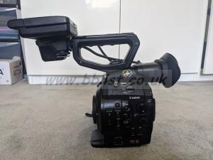 EOS C300 Mark I, includes 5 batteries, 3 CF Cards, Reader