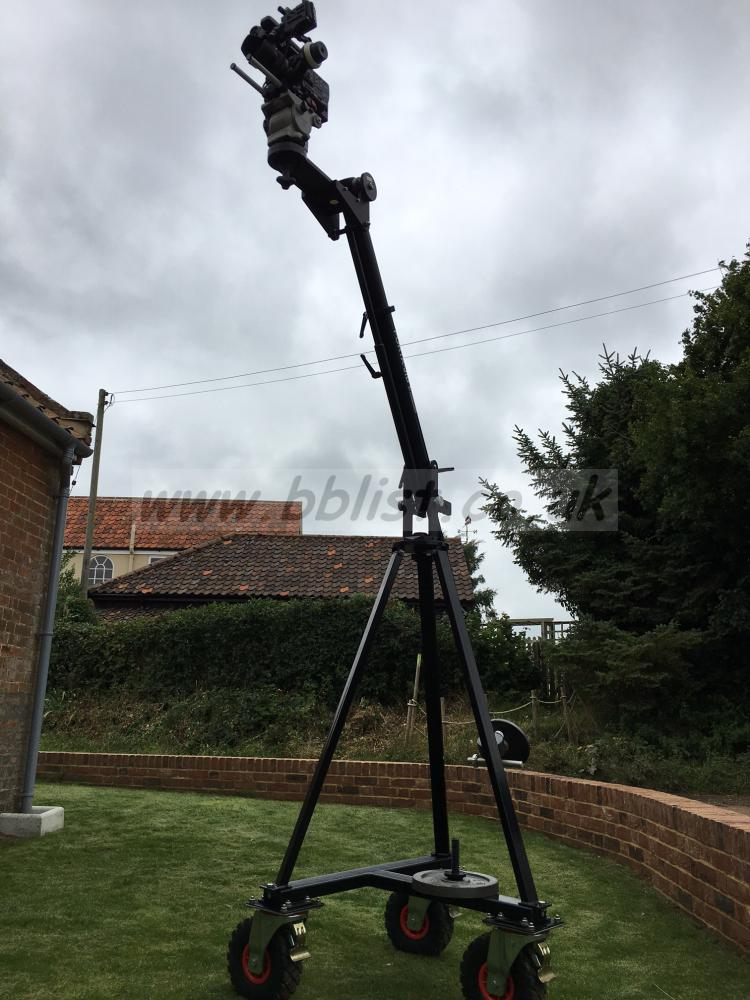 Losmandy Porta-Jib Traveller Fully extended. Camera and tripod head not included in sale.