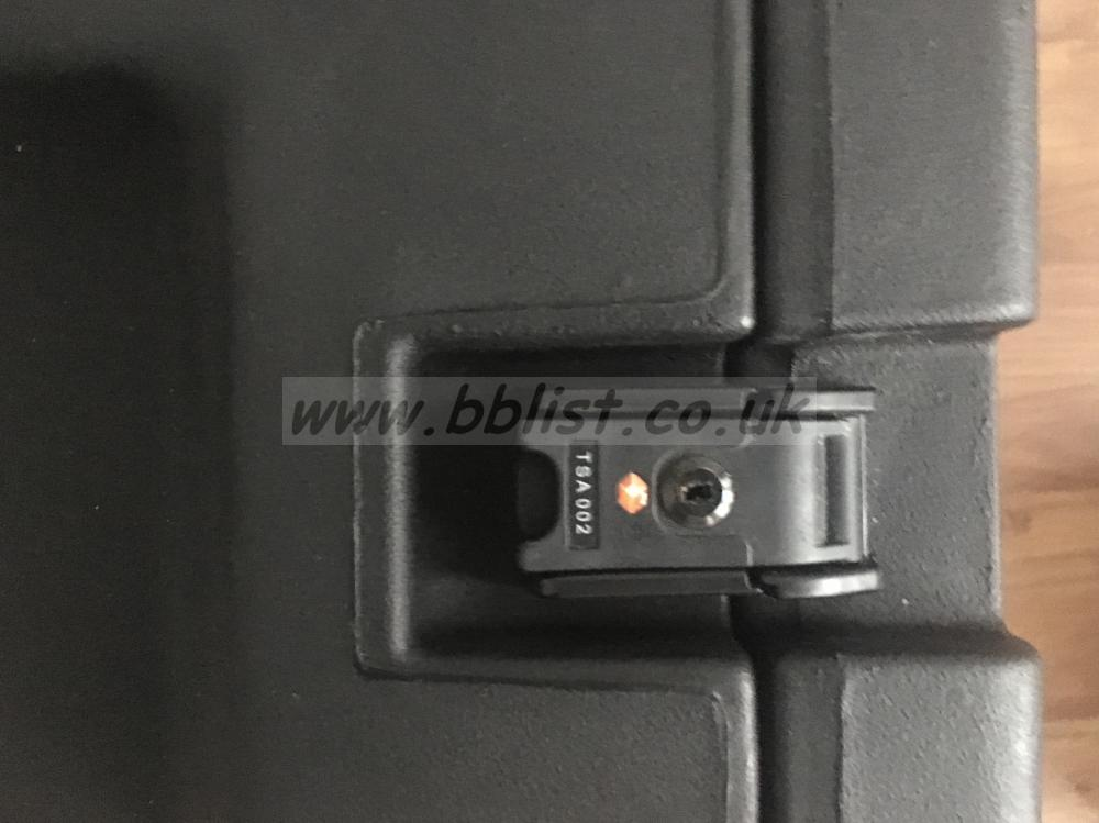 SKB 8U Rolling Rack Case, TSA Locks, Mint Condition. SKB 8U Rolling Rack Case, TSA Locks, Mint Condition.