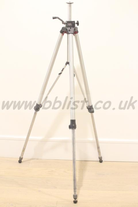 Manfrotto 058 Professional Quality Camera Tripod used